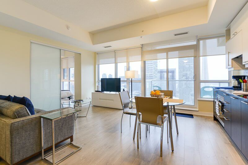 Bellevue_Suite_Furnished_Apartments_Toronto