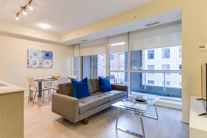 Aqua_Suite_Furnished_Apartments_Toronto