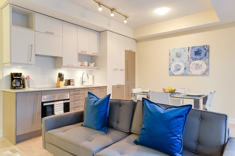 Aqua_Suite_Furnished_Apartments_Toronto