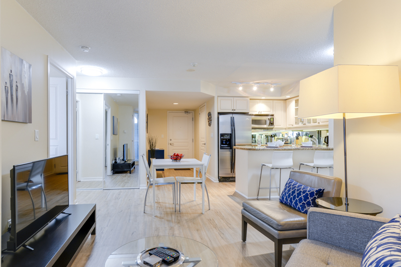 Symphony_Suite_Furnished_Apartments_Toronto